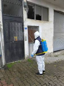 Belediye ekiplerimiz, İlçemiz genelinde dezenfekte ve temizlik çalışmalarına devam ediyor.