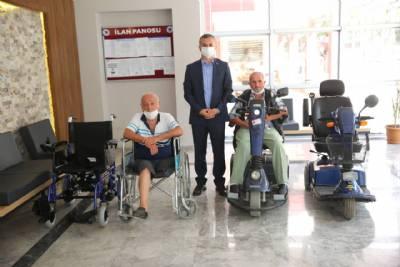 Yürüme engelli hemşehrilerimize Akülü Araç