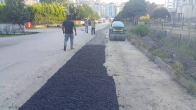 Büyükşehir Belediyesi ve ekiplerimiz tarafından asfaltlama çalışması