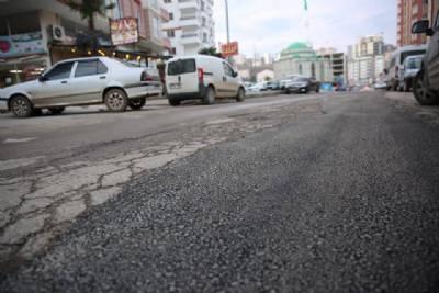 Kaşüstü mahallemiz Vali Recep Yazıcıoğlu Sokak'ta Asfalt Yama Çalışması