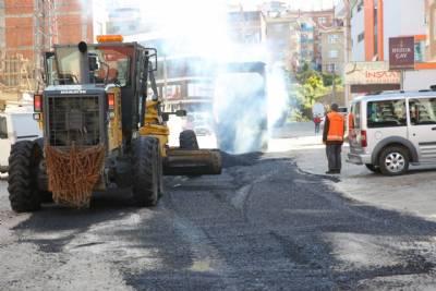 Kaşüstü Mahallesi Merkez Caddesi'nde Asfalt Yama Çalışması